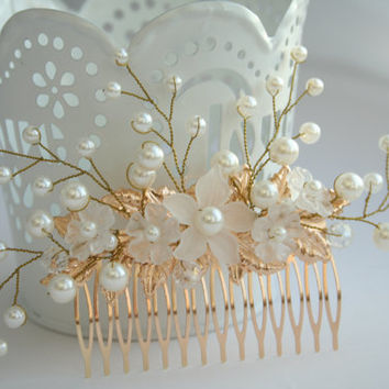 Bridal flower comb, Bridal pearl comb, Bridal leaf comb, Bridal Hair flower, Bridal leaf headpiece, Bridal hair accessory, gold leaf hair