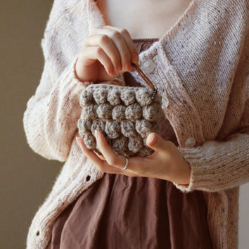 Simple Crochet Clutch Greyish Beige by Nawanowe on Etsy