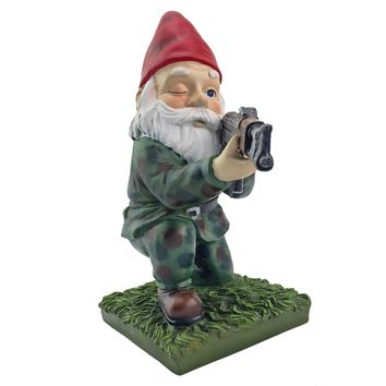 Military Garden Gnome With An AK47 | Funny Army Statue, Perfect For Gun Lovers, Military Collectors, Combat Enthusiasts & Army Men | Indoor & Outdoor Lawn Yard Décor (Kneeling, Camo)