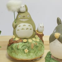 Strapya World : Studio Ghibli My Neighbor Totoro Ceramic Music Box (Dandelion)
