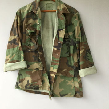Vintage Camo Military Jacket Shirt Woodland Camouflage Faded Distressed Short Small