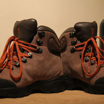 North Face Gortex Tan Mens Hiking Boots Size 9
