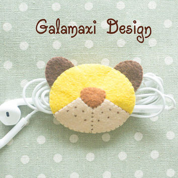 Handmade Felt Bear Earphone Cord Organizer Felt Cable Keeper Cute Little Bear Earphone Cable Organizer Cute Earphone Wire Holder Cable Catch