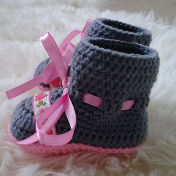 Crochet baby booties, baby girl shoes, baby shower  gift,baby girl gift, newborn girl,newborn booties, baby girl booties, baby shoes