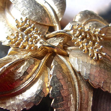 Large Gold Tone Flower Brooch, Etched, 3D, Vintage