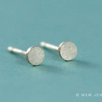 Tiny Circle Earrings by mxmjewelry on Etsy
