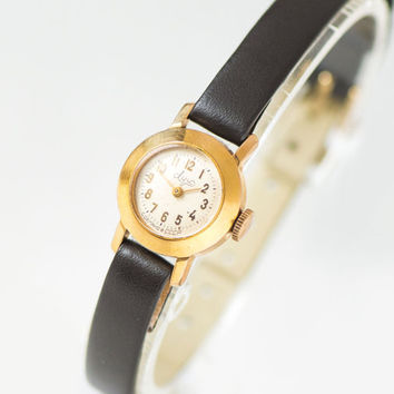 Very small woman watch Ray, women's watch gold plated tiny, lady's wristwatch round rare, petite women's watch, premium leather strap new