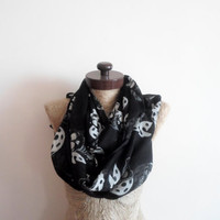 SCARF // Black scarf, Pirate skull Scarf, Infinity Loop Scarf, Prite skull,  Wide Scarf, Neckwarmer, nursery cover,  Timeless, cotton scarf.