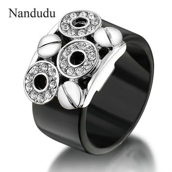 Nandudu Black Circles Rings Crystal Plastic Finger White Gold Plated Fashion Jewelry Gift R1778