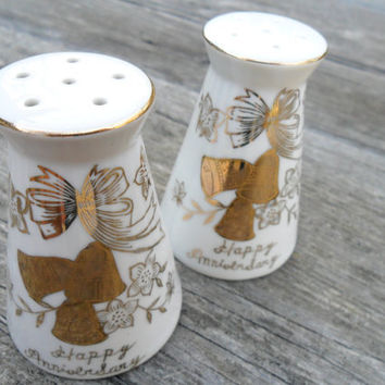 Vintage Salt & Pepper Shaker Set / Gold Anniversary by Norcrest