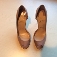 "Christian Louboutin Nude Patent Demi Half D""or Say Peep Toe Pumps Size 9,5"