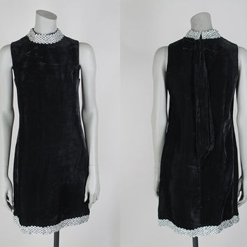 SALE Vintage 60s Dress / 1960s Black Velvet Bow Back Shift Dress with Silver Trim S