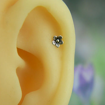 cartilage earring,cartilage piercing,cartilage stud, flower floral vintage oxidized silver 16g, helix piercing, helix earring